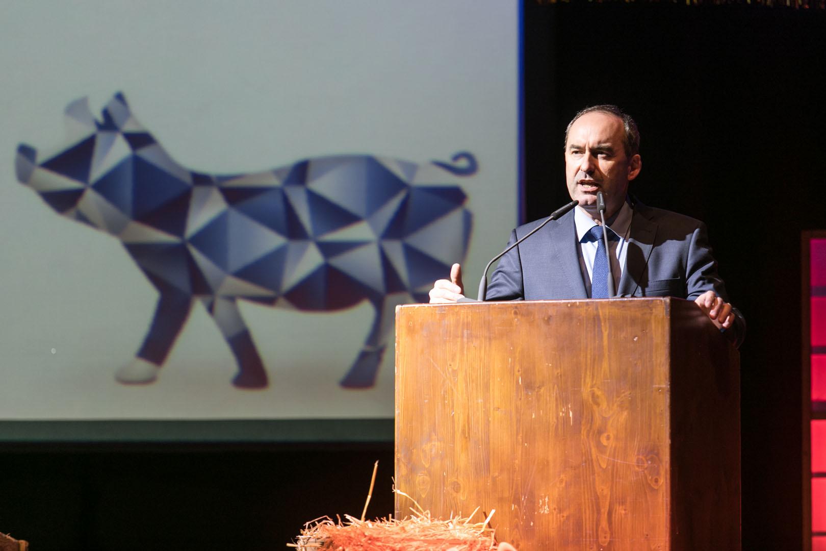 Begrüßung durch den Staatsminister Hubert Aiwanger